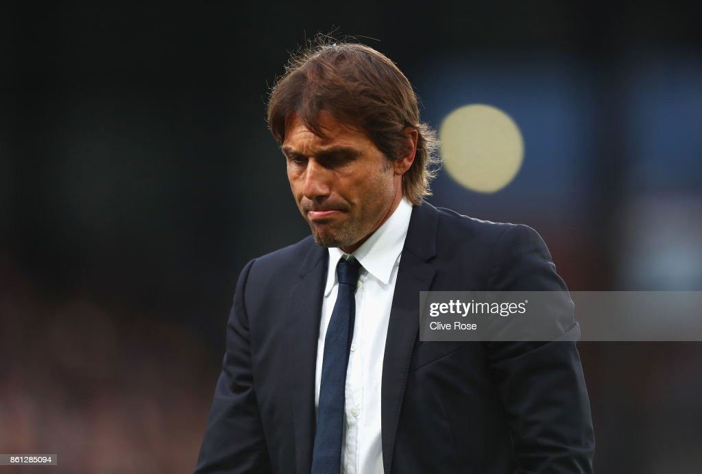 Antonio Conte, Manager of Chelsea looks dejected after the Premier League match between Crystal Palace and Chelsea at Selhurst Park on October 14, 2017 in London, England.