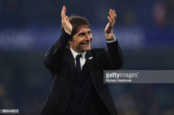 Antonio Conte Manager of Chelsea shows appreciation to the fans after the Premier League match between Chelsea and Watford at Stamford Bridge on May...