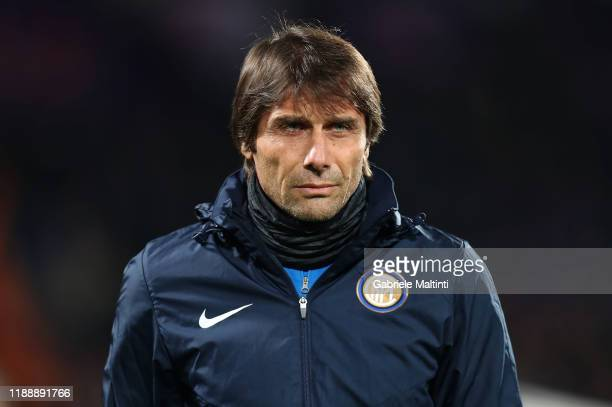 Antonio Conte manager of FC Internazionale looks on during the Serie A match between ACF Fiorentina and FC Internazionale at Stadio Artemio Franchi...
