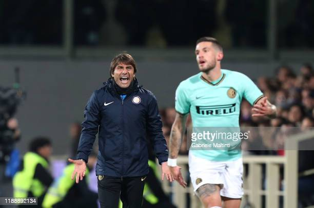 Antonio Conte manager of FC Internazionale reacts during the Serie A match between ACF Fiorentina and FC Internazionale at Stadio Artemio Franchi on...