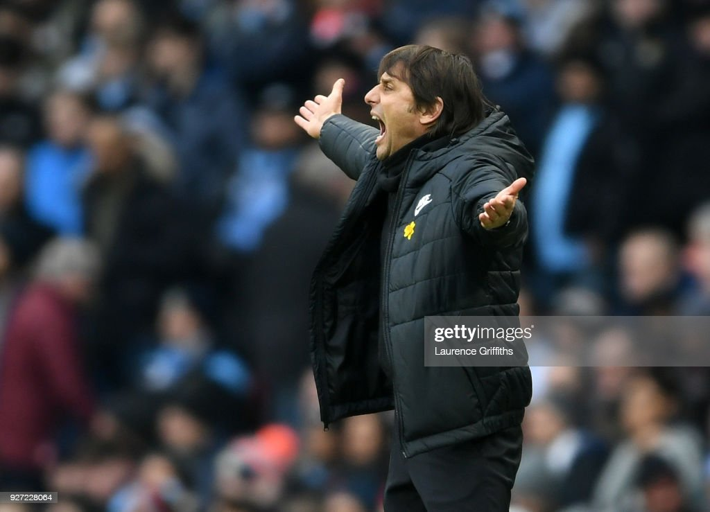 Antonio Conte of Chelsea shows his frustration during the Premier League match between Manchester City and Chelsea at Etihad Stadium on March 4, 2018 in Manchester, England.