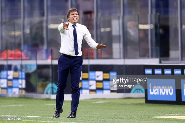 Antonio Conte of FC Internazionale gestures during the Serie A match between FC Internazionale and AC Milan at Stadio Giuseppe Meazza on October 17...