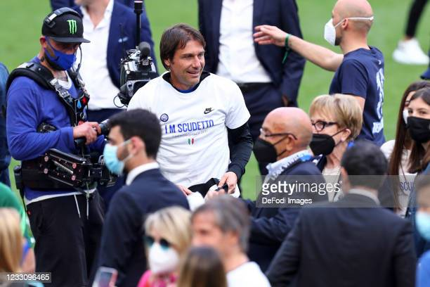 Antonio Conte of FC Internazionale looks on during the Serie A match between FC Internazionale Milano and Udinese Calcio at Stadio Giuseppe Meazza on...