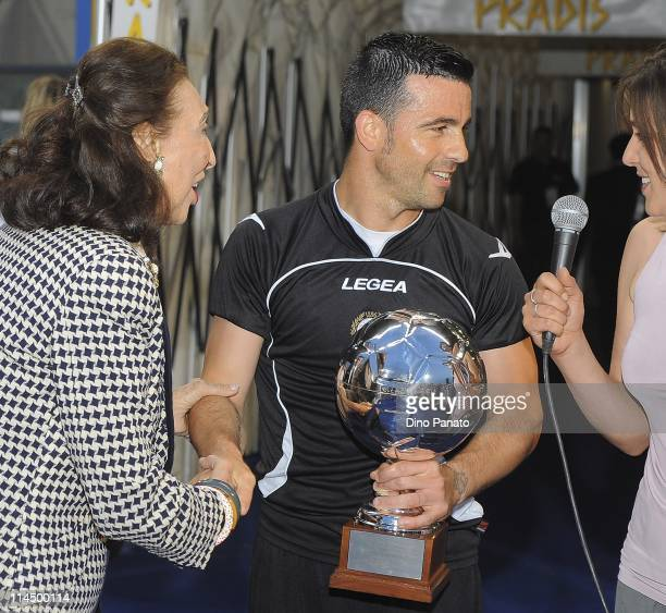 Antonio Di Natale receives a top goal scorers award during the Serie A match between Udinese Calcio and AC Milan at Stadio Friuli on May 22 2011 in...