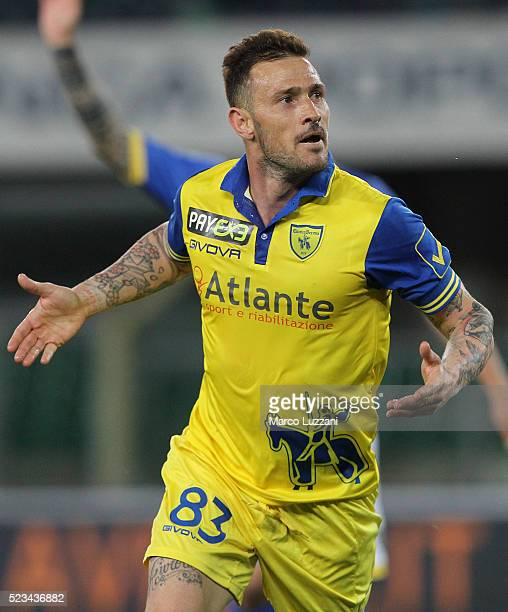 Antonio Floro Flores of AC Chievo Verona celebrates his goal during the Serie A match between AC Chievo Verona and Frosinone Calcio at Stadio...