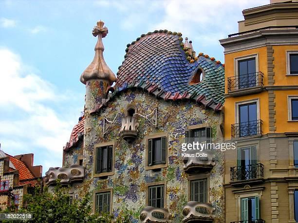 CONTENT] Antonio Gaudí Casa Batlló Este edificio de viviendas otra fantástica combinación de colores y volúmenes se encuentra en pleno Paseo de...