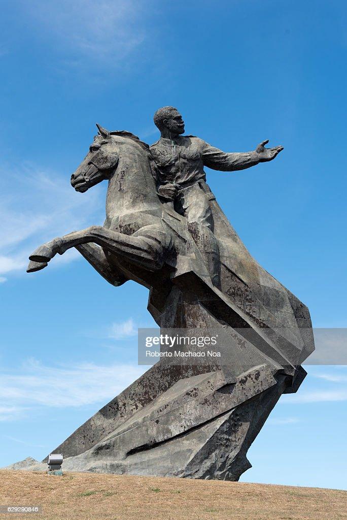 Antonio Maceo bronze statue in the Revolution square. The... : Nachrichtenfoto