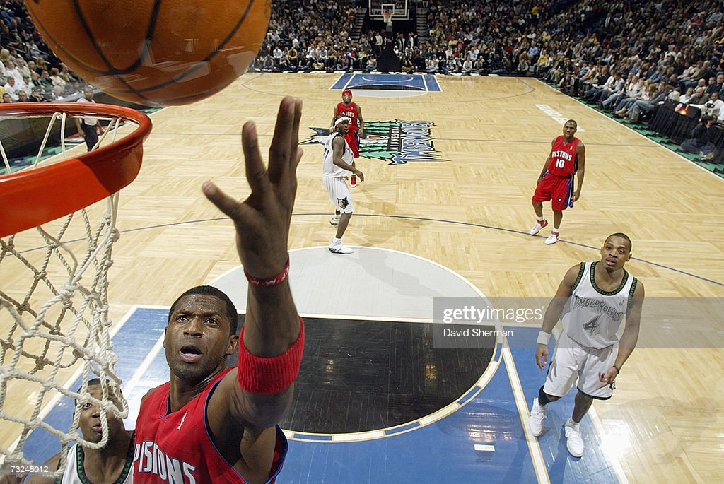 Antonio McDyess #24 of the Detroit Pistons reaches for the ball against the Minnesota Timberwolves during the game at Target Center on January 19, 2007 in Minneapolis, Minnesota. The Pistons won 104-98.