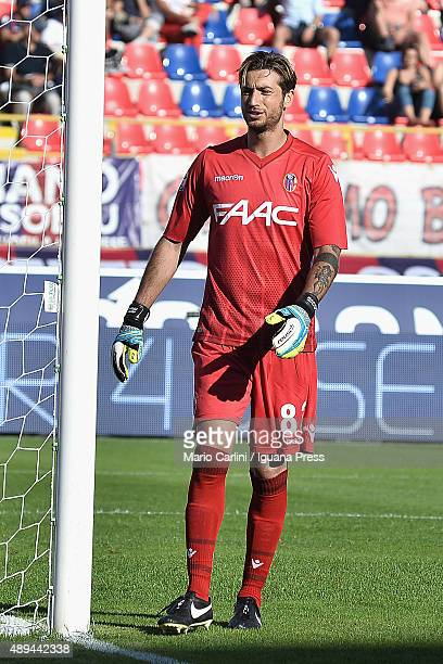 Antonio Mirante goalkkeper of Bologna FC reacts during the Serie A match between Bologna FC and Frosinone Calcio at Stadio Renato Dall'Ara on...