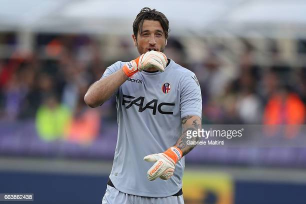 Antonio Mirante of Bologna FC gestures during the Serie A match between ACF Fiorentina and Bologna FC at Stadio Artemio Franchi on April 2 2017 in...