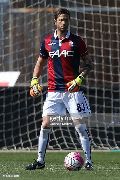 Antonio Mirante of Bologna FC in action during the Serie A match between Empoli FC and Bologna FC at Stadio Carlo Castellani on May 1 2016 in Empoli...