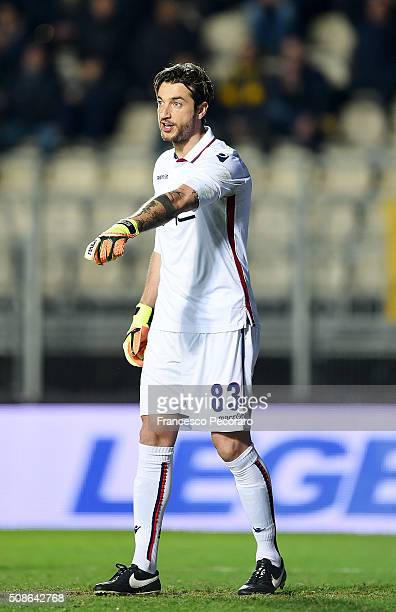Antonio Mirante of Bologna in action during the Serie A match between Frosinone Calcio and Bologna FC at Stadio Matusa on February 3 2016 in...