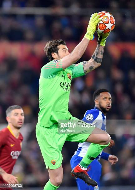 Antonio Mirante of FC Porto in action during the UEFA Champions League Round of 16 First Leg match between AS Roma and FC Porto at Stadio Olimpico on...