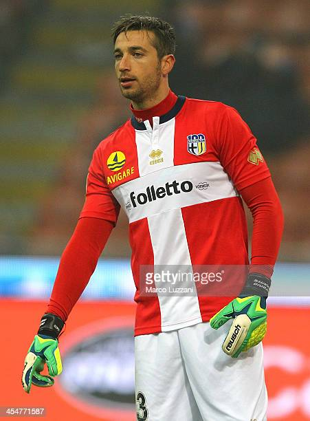 Antonio Mirante of Parma FC gestures during the Serie A match between FC Internazionale Milano and Parma FC at Stadio Giuseppe Meazza on December 8...