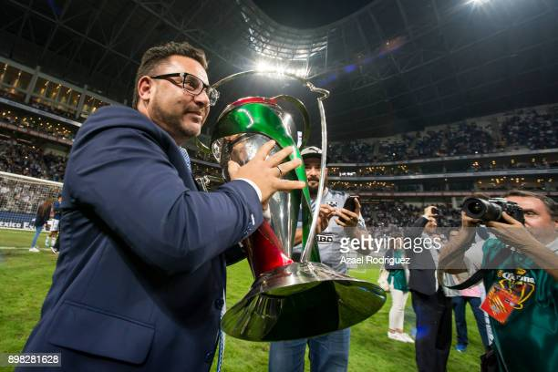 Antonio Mohamed coach of Monterrey holds the winner's trophy after the Final match between Monterrey and Pachuca as part of the Copa MX Apertura 2017...