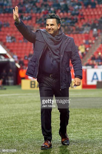 Antonio Mohamed coach of Monterrey waves to the fans during the quarter finals first leg match between Tijuana and Monterrey as part of the Torneo...