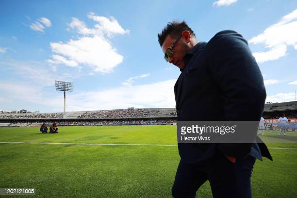 Antonio Mohamed head coach of Monterrey gestures during the 3rd round match between Pumas UNAM and Monterrey as part of the Torneo Clausura 2020 Liga...