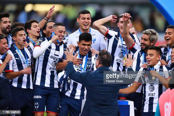 Antonio Mohamed, headcoach of Monterrey celebrate with his players during the Final second leg match between America and Monterrey as part of the...