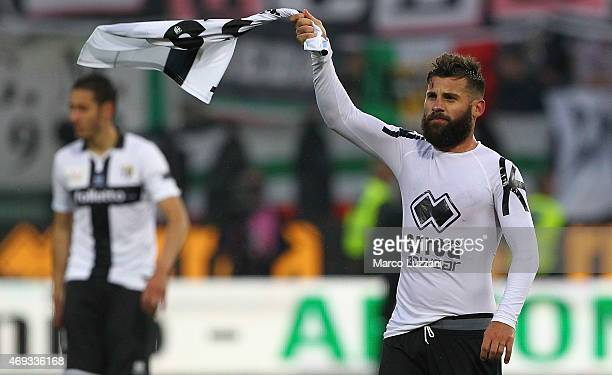 Antonio Nocerino of Parma FC celebrates a victory at the end of the Serie A match between Parma FC and Juventus FC at Stadio Ennio Tardini on April...