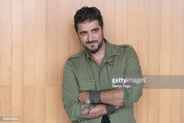 Antonio Orozco on Alexandra de Noche at Telemundo studios on October 29 2014 in San Juan Puerto Rico