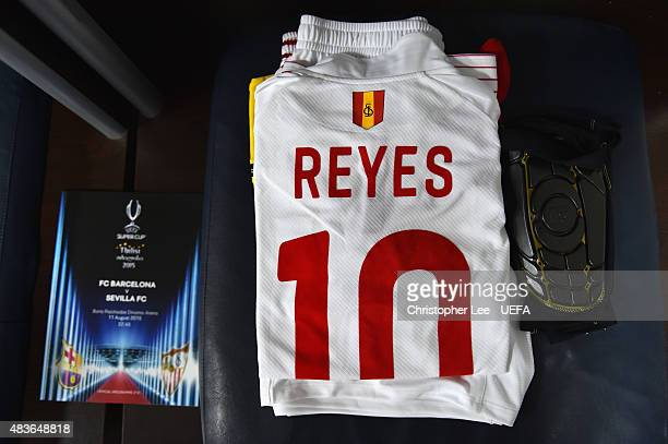 Antonio Reyes' of Sevilla shirt in the dressing room during the UEFA Super Cup Final match between Barcelona and Sevilla FC at Dinamo Arena on August...