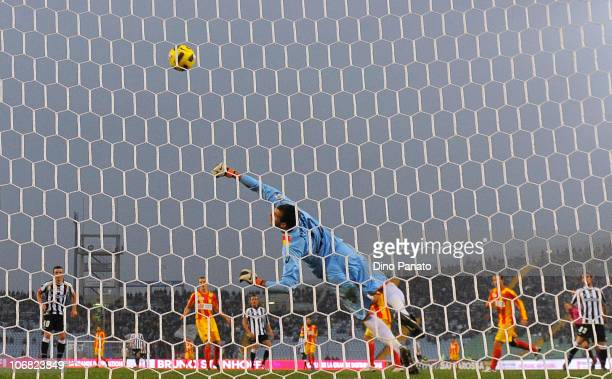 Antonio Rosati goal keeper of Lecce in action during the Serie A match between Udinese and Lecce at Stadio Friuli on November 14, 2010 in Udine,...