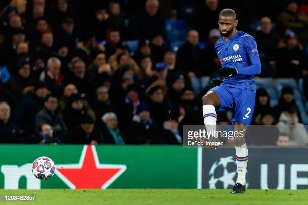 Antonio Ruediger of Chelsea FC controls the ball during the UEFA Champions League round of 16 first leg match between Chelsea FC and FC Bayern...