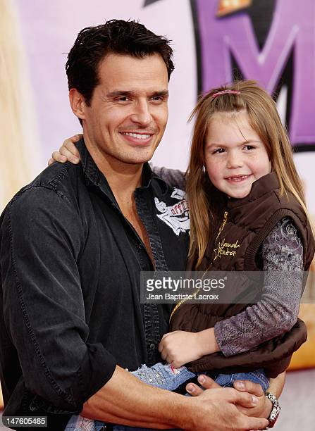 Antonio Sabato Jr and daughter Mina arrive at the Los Angeles premiere of 'Hannah Montana The Movie' at the El Capitan Theatre on April 2 2009 in...