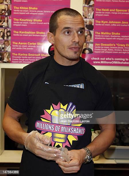 Antonio Sabato Jr launches his milkshake with his daughters at Millions Of Milkshakes on October 21 2009 in West Hollywood California