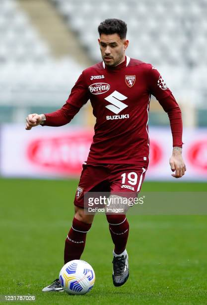 Antonio Sanabria of Torino FC controls the ball during the Serie A match between Torino FC and US Sassuolo at Stadio Olimpico di Torino on March 17,...