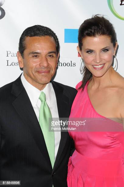 Antonio Villaraigosa and Lu Parker attend James Cameron and AVATAR Cast Celebrate Earth Day in Los Angeles at JW Marriot on April 22 2010 in Los...