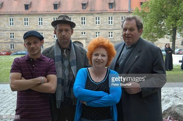 Antonio Wannek Peter Heinrich Brix Hansi Jochmann Ottfried Fischer ARDSerie 'Pfarrer Braun' Folge 'Braun unter Verdacht' Benektinerinnenstift Bamberg...