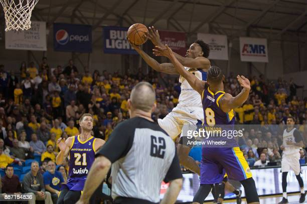 Antonius Cleveland of the Santa Cruz Warriors drives to the basket against the South Bay Lakers during an NBA GLeague game on November 4 2017 at...