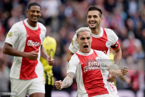 Antony of Ajax celebrates 1-0 with Dusan Tadic of Ajax during the Dutch Eredivisie match between Ajax v Vitesse at the Johan Cruijff Arena on August...
