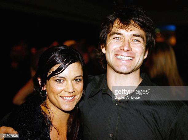 Antony Starr and Lucy McLay arrive at the Air New Zealand Screen Awards at Sky City Theatre August 24 2006 in Auckland New Zealand The awards are...