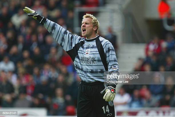 Antti Niemi of Southampton during the FA Barclaycard Premiership match between Southampton and Aston Villa at St Mary's Stadium on May 8 2004 in...