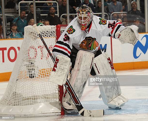 Antti Niemi of the Chicago Blackhawks eyes the play in net in Game One of the Western Conference Finals during the 2010 NHL Stanley Cup Playoffs...