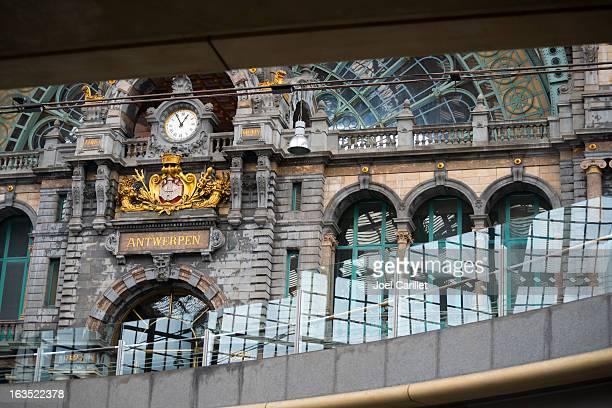 antwerp central train station - antwerpen stad stockfoto's en -beelden