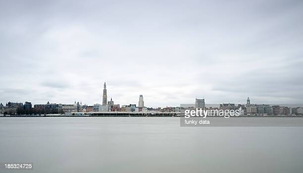 antwerp in long exposure - antwerpen stad stockfoto's en -beelden