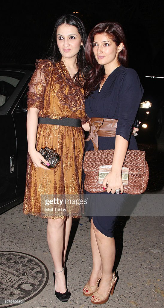 Anu Dewan with Twinkle Khanna at the birthday party of actor Hrithik Roshan