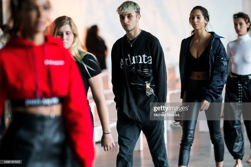 Prabal Gurung - Front Row & Backstage - September 2018 - New York Fashion Week : News Photo
