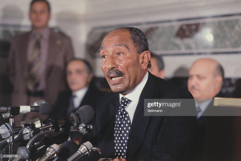 Anwar Sadat at News Conference : News Photo