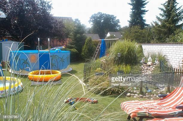 Anwesen von Jo Bolling Homestory Kleinstadt nahe Frankfurt am Main Schauspieler Garten Pool SwimmingPool Promis Prominente Prominenter