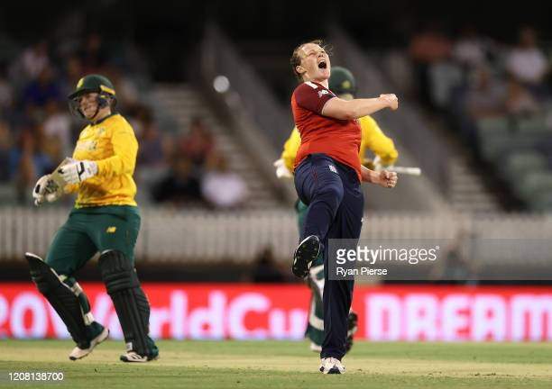 Anya Shrubsole of England celebrates after taking the wicket of Lizelle Lee of South Africa during the ICC Women's T20 Cricket World Cup match...