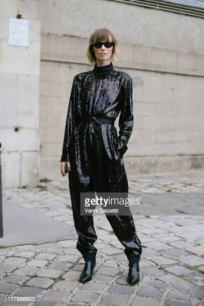 Anya Ziourova poses after the Valentino show during Paris Fashion Week Womenswear Spring Summer 2020 on September 29 2019 in Paris France