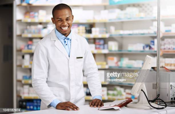 anything i can assist with? - pharmacist stock pictures, royalty-free photos & images
