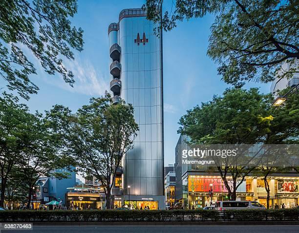 aoyama, view of omotesando - 表参道 ストックフォトと画像
