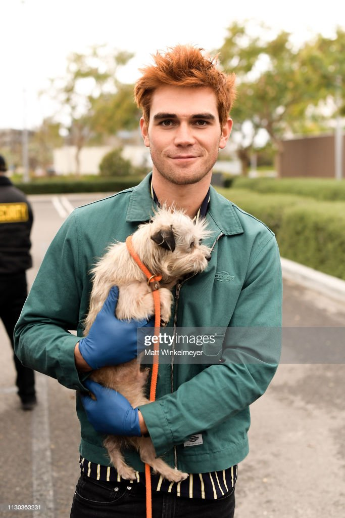 CA: KJ Apa And Bumble Winner Volunteer With ASPCA At Annenberg PetSpace