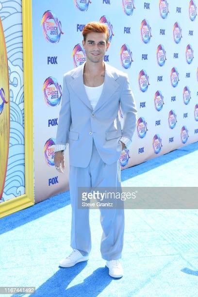 Apa attends FOX's Teen Choice Awards 2019 on August 11, 2019 in Hermosa Beach, California.