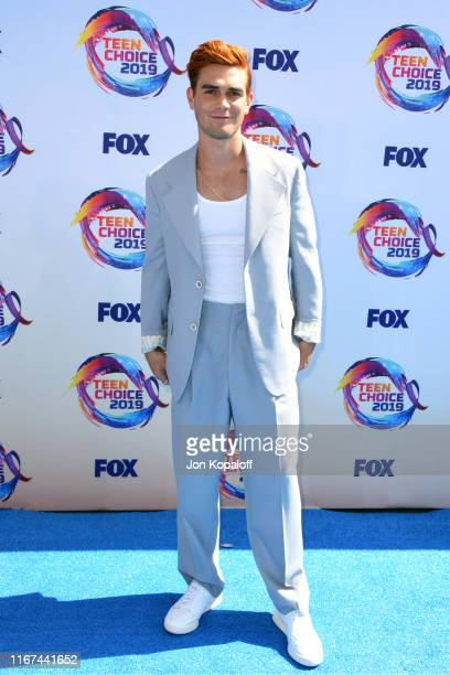 Apa attends FOX's Teen Choice Awards 2019 on August 11 2019 in Hermosa Beach California